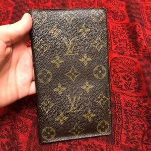 db64eb0942d Louis Vuitton. Louis Vuitton credit card passport holder wallet